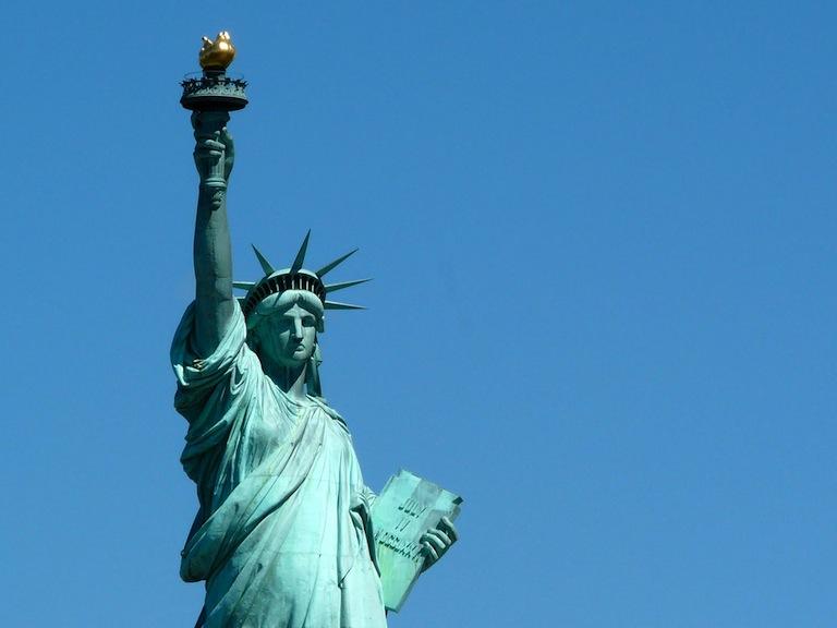 Que se passe t il la statue de la libert les quatre for Createur statue de la liberte