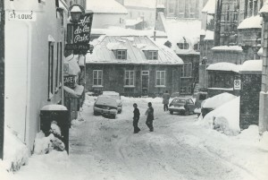 quebec rue des jardins sous la neige