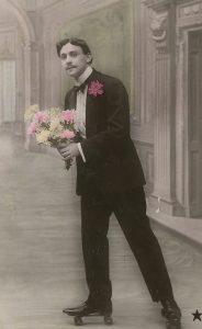 gars-bouquet-patins-a-roulettes