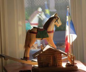 petit-cheval-et-drapeau-acadien