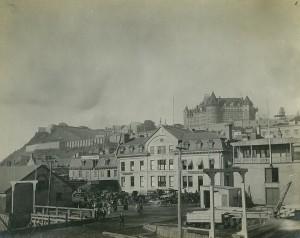 chateau vu de la basse ville