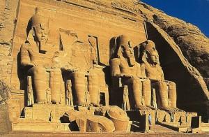 abu simbel le grand temple