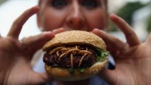burger a base de pigeon et insectes