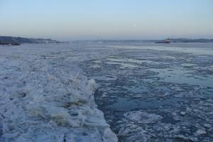 glaces sur le fleuve