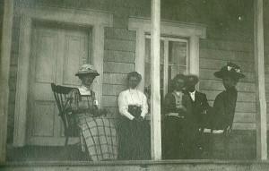 quatre dames et un homme en vacances a la malbaie