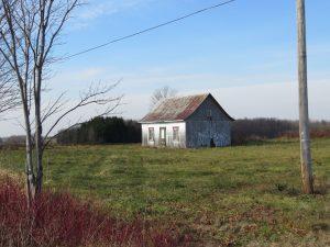 vieille-maison-dans-la-plaine